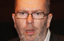 Richard Müller (54) je zcela odkázaný na svou přítelkyni!