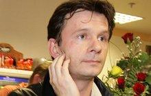Smutný herec Jan Šťastný »ostrouhal«: Přišel o statisíce!