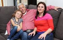 Nevidomý masér Rudolf Kosina (60): Ženu (36) a dceru (6) znám jen po hmatu!