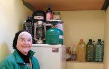 VIDEO: Důchodkyně ze Zlína čeká konec světa! Nakoupila zásoby a schovala se v lese!