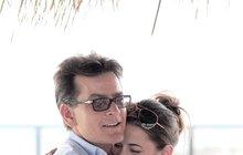 Charlie Sheen (47): Randí s pornoherečkou! Odvážné foto uvnitř!