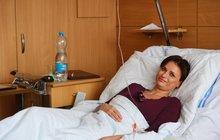 Adamcová den po operaci páteře šokuje: Za týden chci do práce!