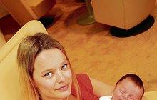 Topmodelka Houdová porodila dceru: Dala jí jméno DEII!