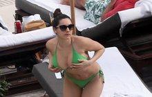Modelka Kelly Brook: Místo opalování kontrolovala prsa!