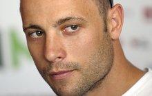 Pistorius: Rozmlátil Reevě lebku pálkou!