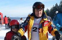 a62736e7bcd Nejúspěšnější český sjezdař Kurt Hennrich  V 81 letech na lyžích!
