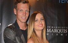 Berdych a jeho Ester zářili v Miami: Ozdoby párty!