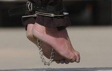 Chystá se poprava dítěte: Přiznání po brutálním mučení!