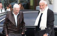Jean-Paul Belmondo: Veselý stařík s holí...