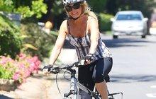 Dvojnásobná babička Goldie Hawn: Šlape s úsměvem!