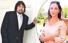 Herečka Michaela Kuklová (50) se zcela náhodou potkala s exmanželem Jiřím Pomeje (53)! Došlo k tomu ve špitále, kde se bývalý producent léčí s rakovinou hrtanu, herečka tam přišla s nemocným synem Románkem.