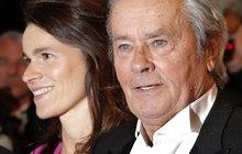 Alain Delon (77) našel lásku: Klofnul nejkrásnější političku!