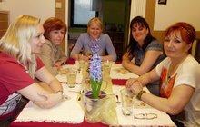 Drsná hra v Prostřenu: Hostům došla trpělivost, šli se najíst do restaurace!
