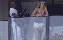 Eddie Murphy zpíval na balkoně své milence Paige!