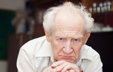 Důchodce Kamil M. (65): Zbývá mi 900 korun na měsíc! Za den sním polévku, rohlík a někdy párek!