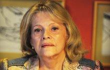 Eva Pilarová (79) po dvou zlomeninách: VÁŽNÁ KOMPLIKACE! OKAMŽITÁ OPERACE!