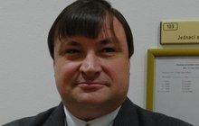 Tajný pohřeb kmotra Housky: Nebude mít ani parte!