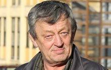Zedník Ladislav (61) nemůže kvůli věku sehnat práci: Ke zdi a odstřelit!