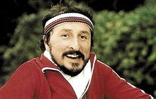 Populární český herec Oldřich Navrátil (65) se pořádně vybarvil! Prasklo na něj velké tajemství. Herec před 35 lety zplodil nemanželského syna Milana Kočího (33), ke kterému se nehlásí!