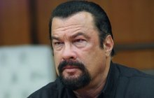 Steven Seagal jde ve stopách Schwarzeneggera: Chce být guvernérem!