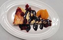 PROSTŘENO: Tvarohový koláč s brusinkami podle Daniely Matunové