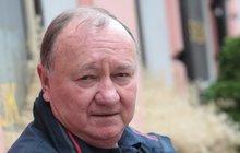 Krutý osud Vítězslava Jandáka: Tátu mu zavřeli, máma si pustila plyn!