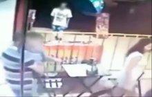 ŠOKUJÍCÍ VIDEO: Poprava 3 kulkami!