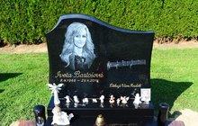 Rychtář dokončil hrob Ivety, jenže... Na náhrobku má hned tři chyby!