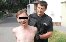 Obtěžoval děti ve školce: Napadal je klacky!