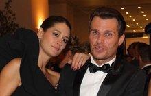 Mareš po rozchodu: Faltýnové koupil šaty za půl »mega«, sobě oblek za 7 tisíc! Pak se rozbrečel…