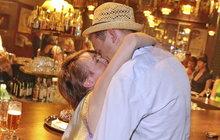 Tajná veselka Vojty a Táni? Bratranec Dyka ve svatebním!