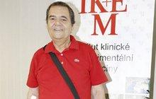 Zdeněk (73) je na transplantaci starý a pomalu umíral: Zachránilo ho »umělé srdce«!