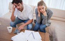 Vláda kvůli společnému jmění manželů a dluhům doporučuje: Oddělte si peníze!