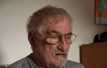 Celý život v sobě nosil trauma, že má na rukou krev! Herecký svéráz Pavel Landovský (†78), který zemřel před čtyřmi lety, se před smrtí svému šokovanému kamarádovi přiznal, že má na svědomí životy hned několika lidí! Koho zastřelil a proč?
