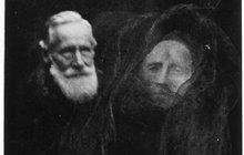 100 let staré fotky duchů: A pořád znich mrazí!