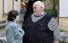 Utrpení morbidně obézního herce ze seriálu Stopy života: Přehlížení, příkoří, výčitky a nedobrovolný život v celibátu!