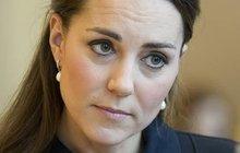 Vévodkyně Kate v slzách: Z rozkazu královny musí pryč!