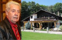 Přemku Podlahovi (†76) vyfoukli 10 milionů! Jak prošustroval hotel na Šumavě?