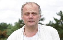 Herec Igor Bareš: Skončil vprotialkoholní léčebně! Pokus o sebevraždu!