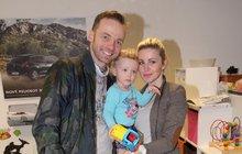 Herec Lukáš Langmajer: Ukázal krásnou manželku a roztomilého synka!