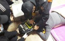 Ženu skoro skalpoval robotický vysavač, když si zdřímla na podlaze!