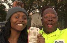Samoživitelka s postiženou dcerou musela opustit zaměstnání: Teď vyhrála 4,5 miliardy!
