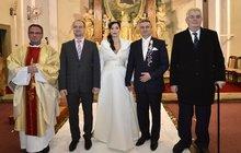 Zemanův muž Mynář se o víkendu ženil a... Krásná Alex tomu nasadila korunku!