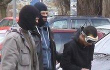 Policejní zásah v Praze, zatkli brutálního zločince: Drastické rituální vraždy!