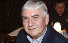 Miroslav Donutil (64): Paří neobvyklým způsobem a na nečekaném místě!