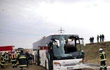Čeští filharmonici  bourali v Rakousku: 17 zraněných v autobusu!