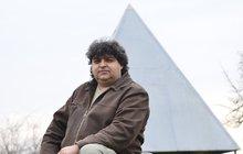 Zdraví jsme nalezli v léčivé pyramidě: Dojemná svědectví lidí, kterým se změnil život