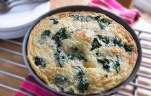 Zdravá pochoutka nejen k večeři: Špenátovo-rukolová omeleta podle Ivany Černé