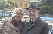 Komunistický boss Jakeš (92) na oslavách 1. máje: Milouš se pustil do boje!