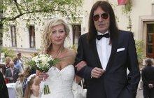 Brichta se na svatbě dcery musel přemáhat!